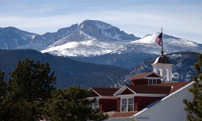 Stanley Hotel in front of Longs Peak